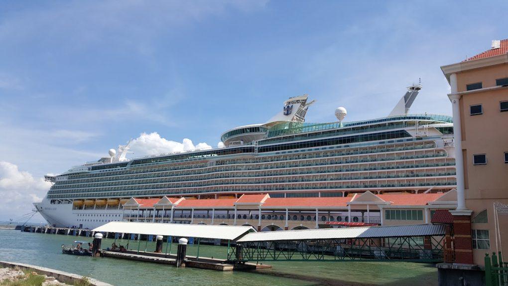 Royal Carribean Cruise Ship